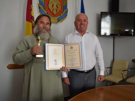 На Кіровоградщині відзначили цьогорічного лауреата обласної премії імені Якова Паученка