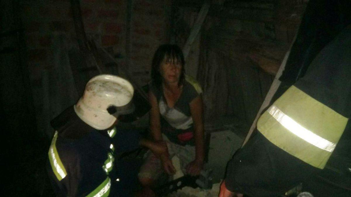 Без Купюр У Знам'янському районі жінка впала в колодязь. ФОТО Життя  рятувальники 2020 рік