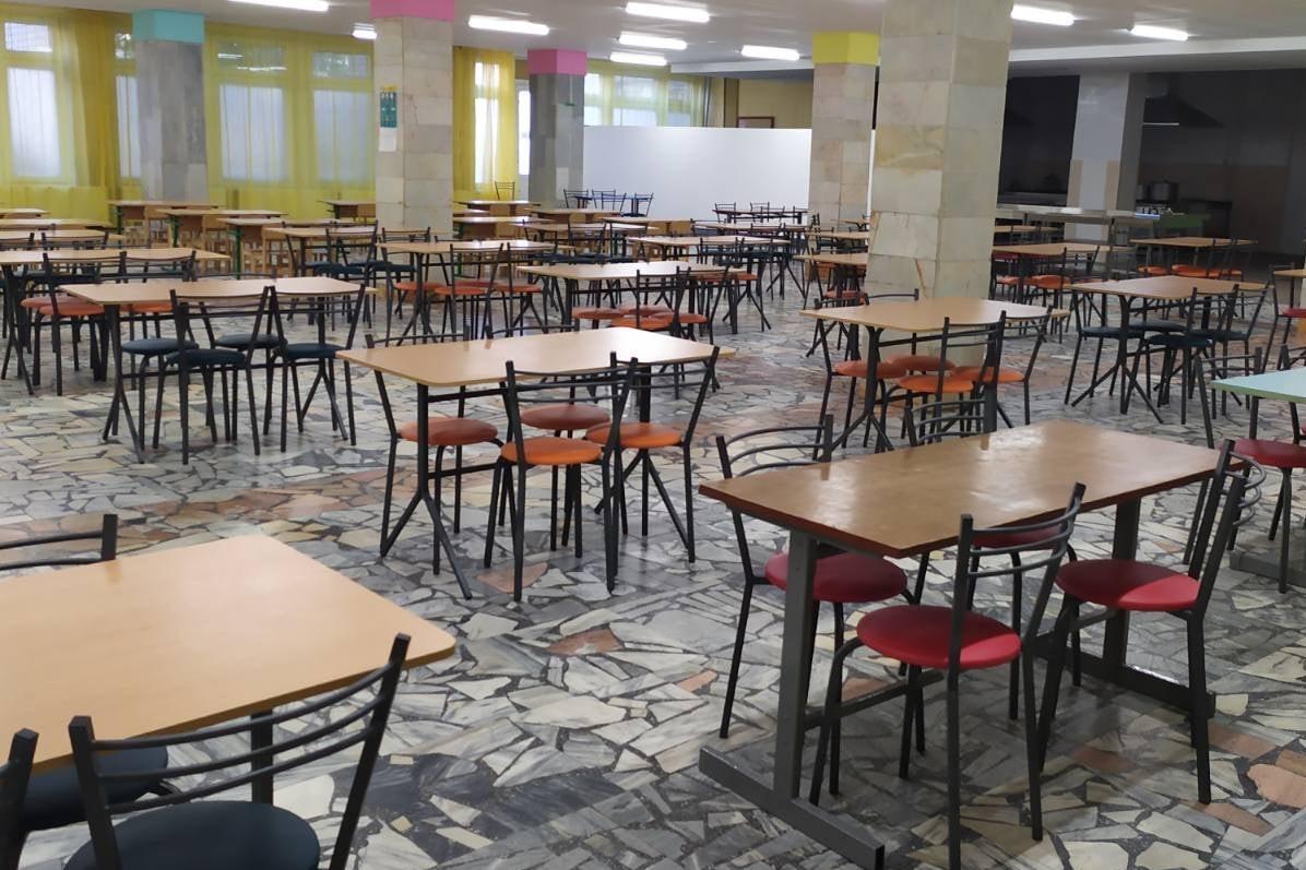 Без Купюр У Смолінській школі готують страви за рецептами Євгена Клопотенка та запровадять «дабл-меню» Освіта  харчування Смоліне погодження забезпечення 2020 рік