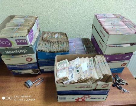 """Працівники """"Ощадбанку"""", яких підозрюють у привласненні вкладів, постануть перед судом"""