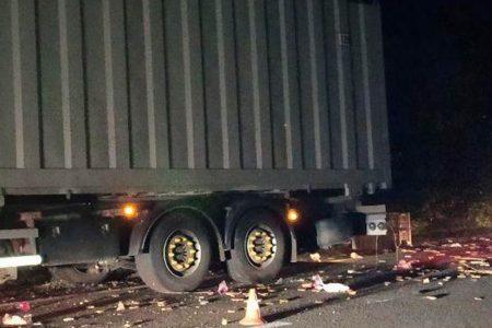 На Кіровоградщині зіштовхнулися дві вантажівки. ФОТО