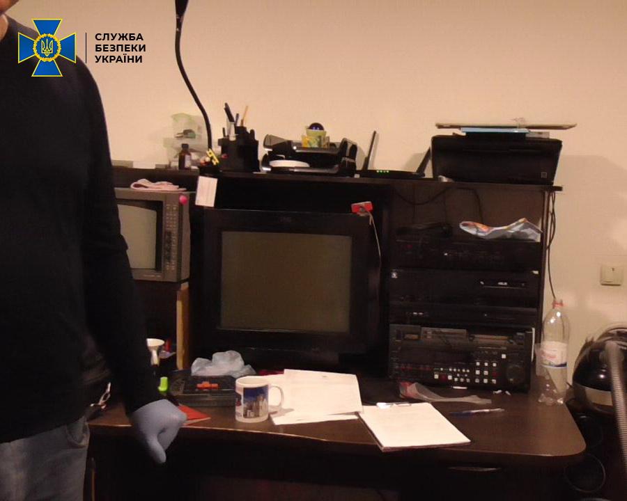 Без Купюр На Кіровоградщині засудили подружжя за пропаганду комунізму Політика  суд новини Кропивницький комуністична пропаганда вирок 2020 рік