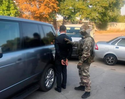 """Хто купував двійника конкуренту: правоохоронці затримали депутата облради від """"Опоблоку"""""""