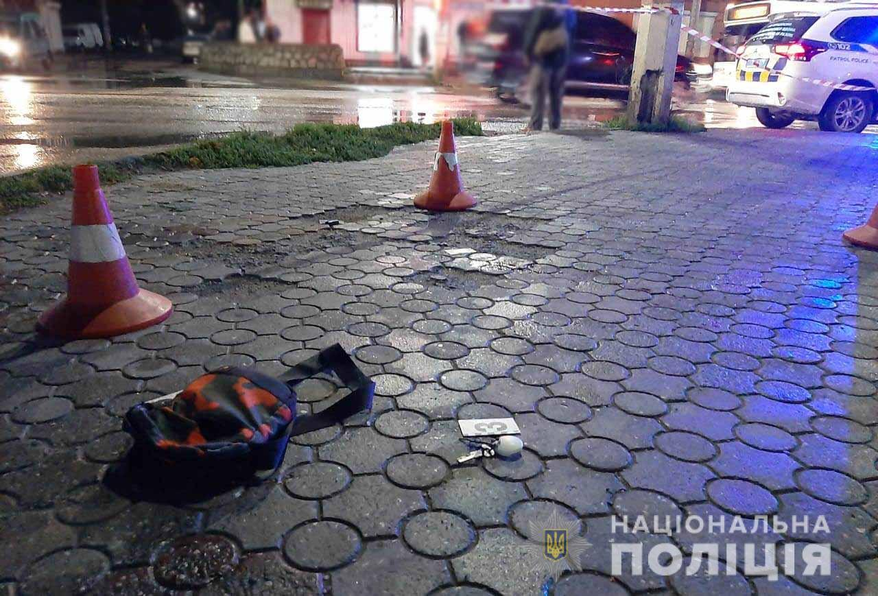 Без Купюр У Кропивницькому серед вулиці вбили 19-річного хлопця. ФОТО Кримінал  новини Кропивниький вбивство 2020 рік