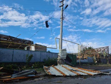 """В """"Екостайлі"""" розповіли, куди дівати будсміття, та долучилися до ліквідації наслідків стихії в Кропивницькому"""