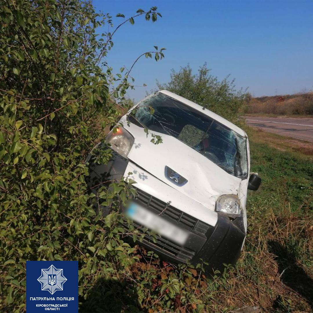 Без Купюр На Кіровоградщині водій Nissan спричинив ДТП. ФОТО За кермом  Патрульна поліція новини ДТП 2020 рік