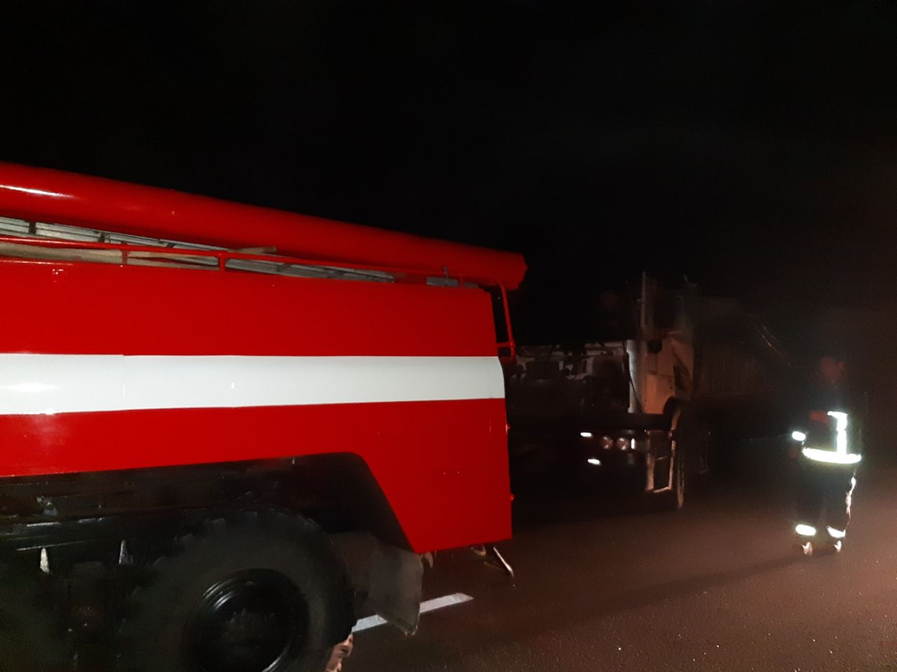 Без Купюр На Кіровоградщині зіткнулися дві вантажівки За кермом  рятувальники новини Кіровоградщина ДТП 2020 рік
