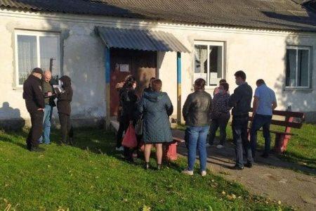 На Кіровоградщині члени виборчої комісії не пускали на дільницю навіть нову голову