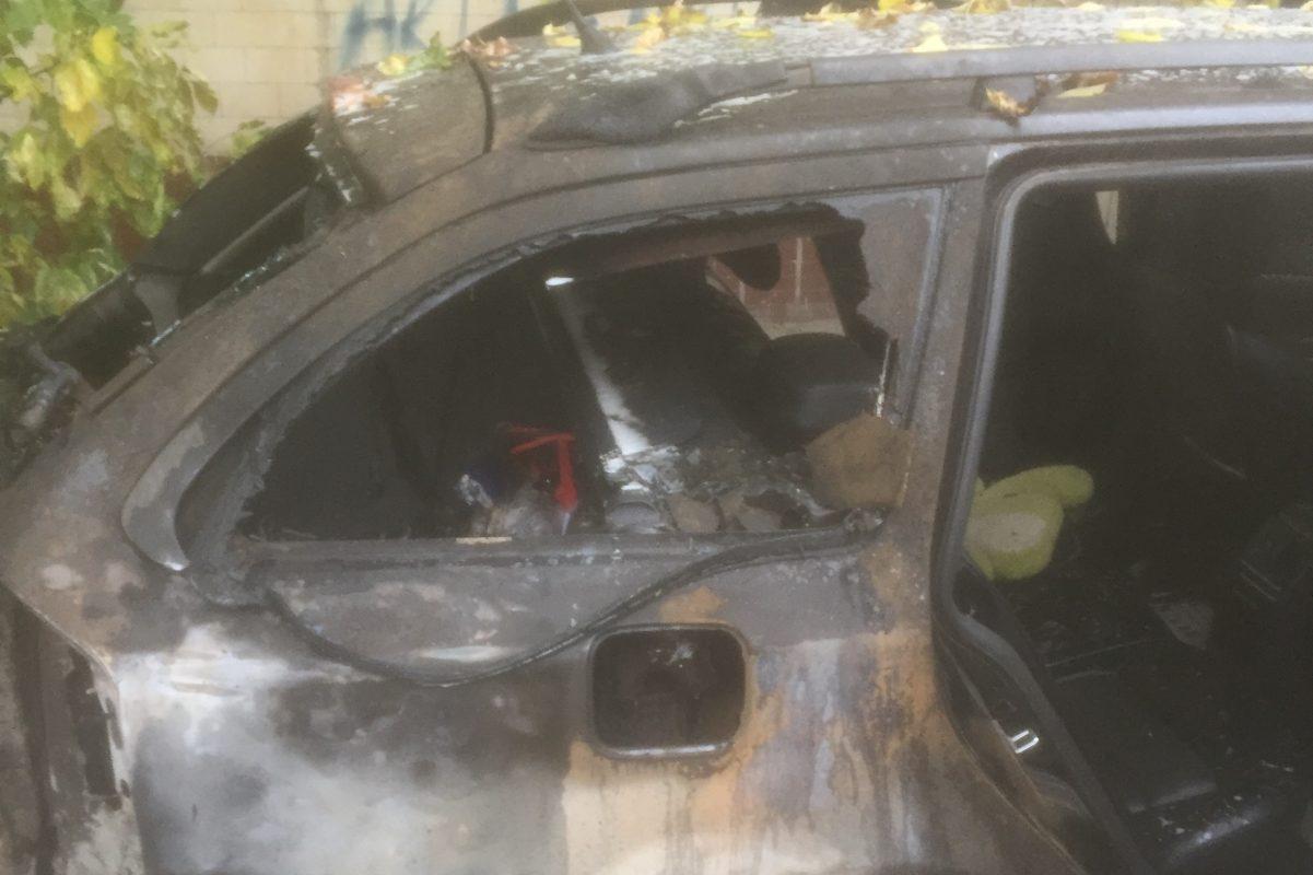 Без Купюр У Кропивницькому згоріла автівка. ФОТО Події  пожежа новини Кіровоградщина авто 2020 рік