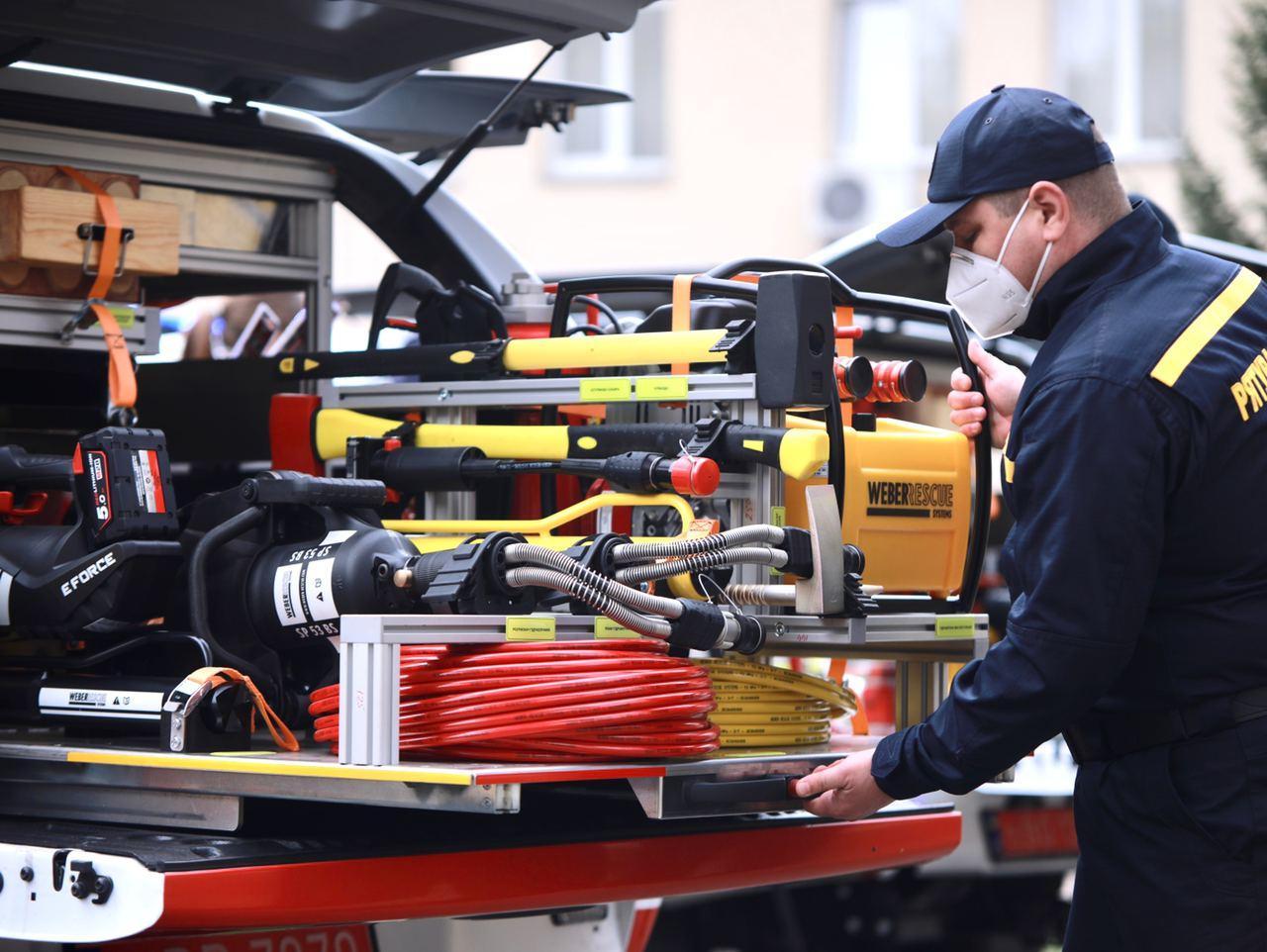 Без Купюр Рятувальники Кіровоградщини отримають 3 автомобіля Ford Ranger. ФОТО За кермом  новини Кіровоградщина ДСНС Ford Ranger 2020 рік