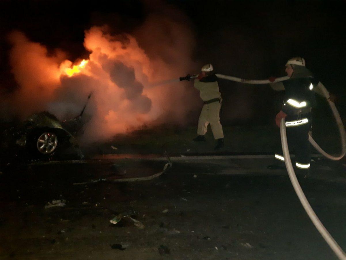 Без Купюр На Кіровоградщині внаслідок аварії загорілася машина та загинуло двоє людей. ФОТО За кермом  новини Кіровоградщина ДТП