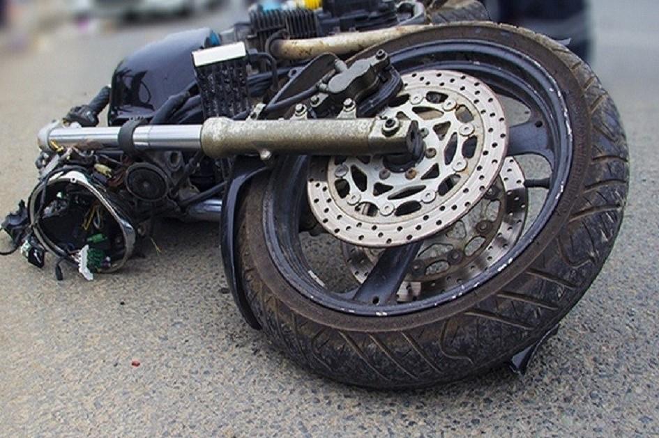Без Купюр На Кіровоградщині 17-річний мотоцикліст збив 21-річну дівчину, потерпіла померла За кермом  Нова Прага Кіровоградщина ДТП
