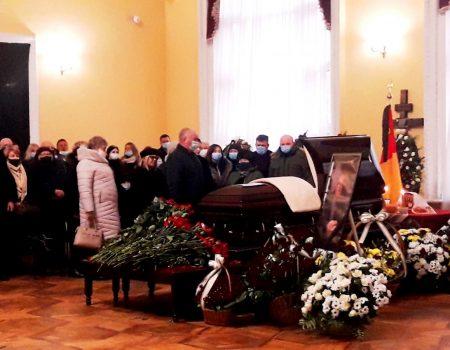 Чиновники, бізнесмени, містяни й селяни прощалися зі Станіславом Березкіним у Кропивницькому
