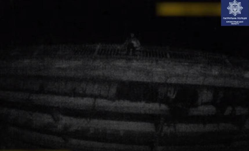 Без Купюр У Кропивницькому патрульні попередили спробу самогубства. ВІДЕО Вiдео  спроба самогубства Патрульна поліція новини Кропивницький Кіровоградщина
