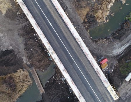 Міст на об'їзній дорозі  Кропивницького відкрили для проїзду. ФОТО