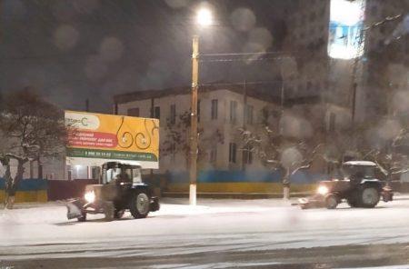 Кропивницький: Андрій Райкович закликав водіїв до 19 години прибрати авто з узбіч