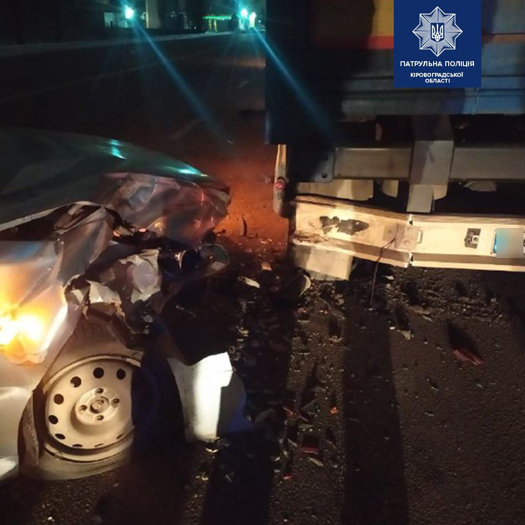 Без Купюр У Кропивницькому водій Chery напідпитку протаранив вантажівку За кермом  новини Кропивницький ДТП водій алкоголь