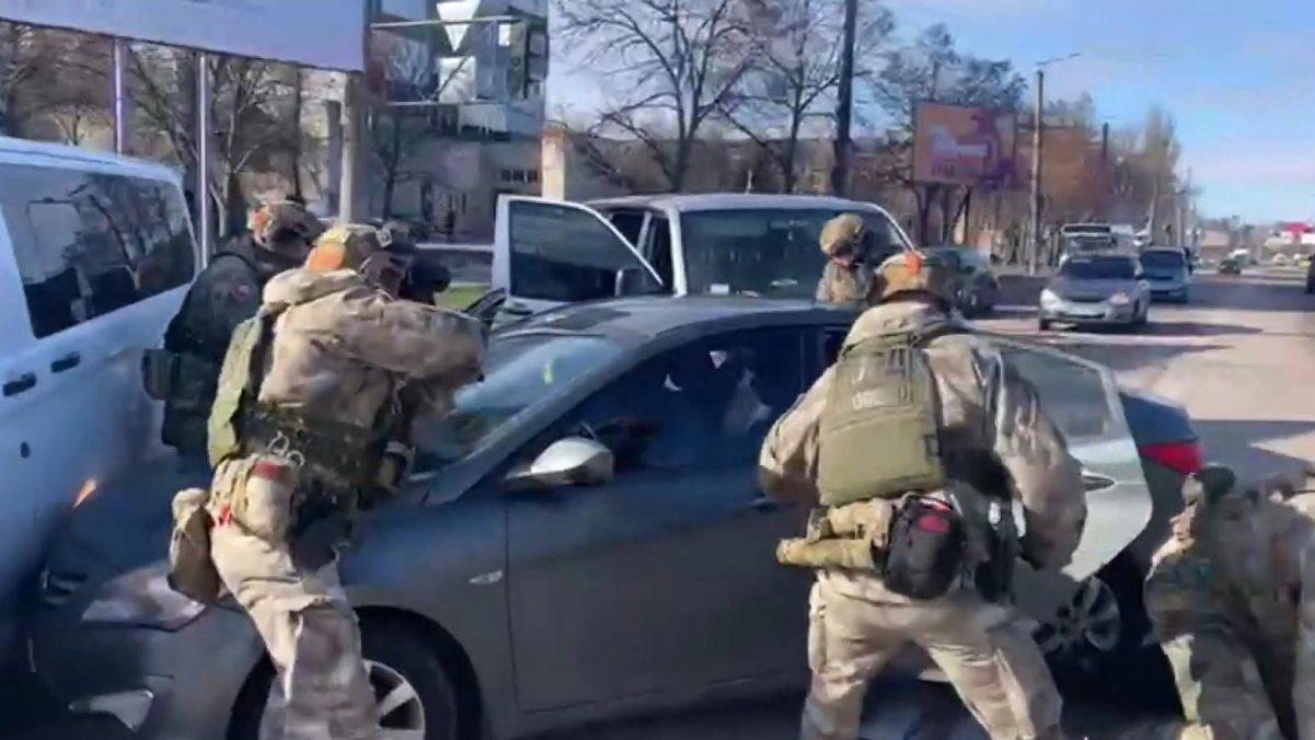 У центрі Кропивницького затримали злочинну групу, яка діяла в кількох областях. ВІДЕО