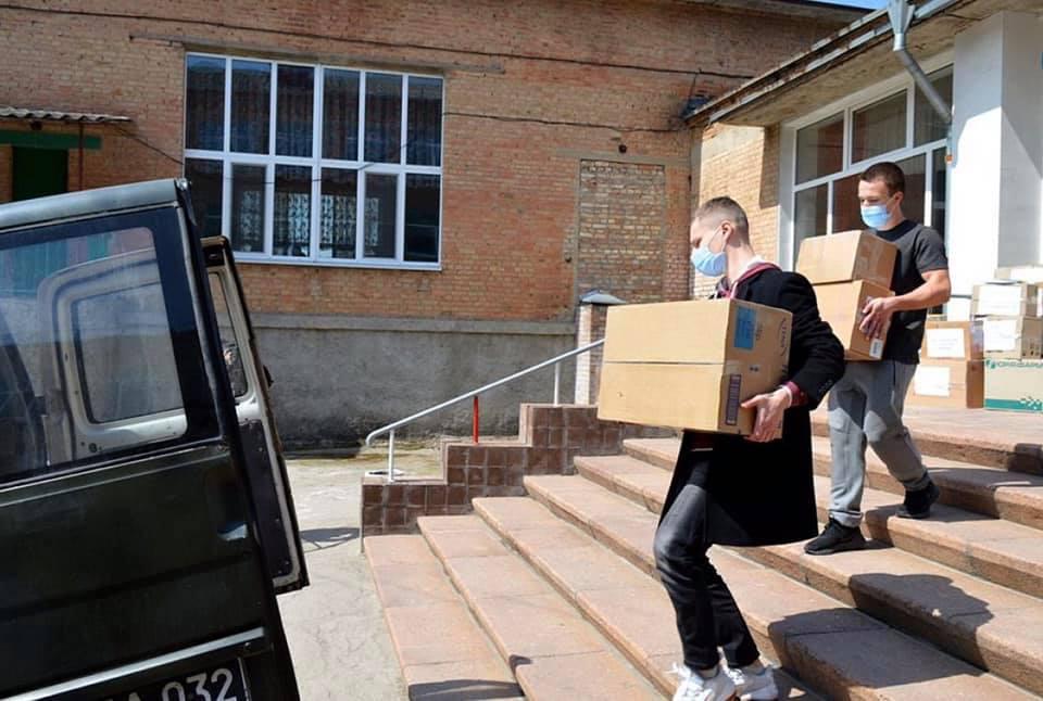 Без Купюр Військові на Сході отримають до Великодня подарунки від кропивницьких школярів Війна Здоров'я  новини Кропивницький допомога Великдень 2021 Квітень