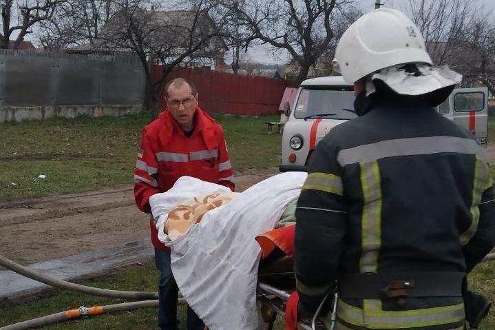 Без Купюр На Кіровоградщині під час пожеж постраждало двоє жінок Події  пожежа ДСНС 2021 Квітень