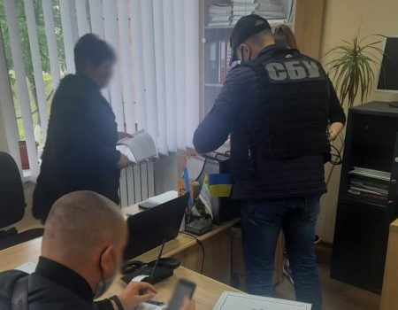"""У Кропивницькому в автобуса """"1-Ц"""" під час руху відпало колесо. ФОТО"""