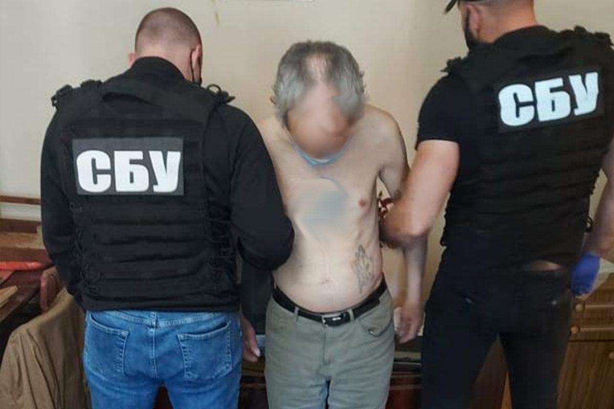 Без Купюр Правоохоронці заявили, що викрили канал збуту зброї на Кіровоградщині. ФОТО Кримінал  новини Кіровоградщина зброя 2021 Квітень