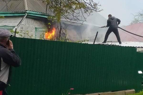 Без Купюр На Кіровоградщині блискавка влучила в будинок і призвела до пожежі. ФОТО Події  трепівка пожежа новини Кіровоградщина 2021 Квітень