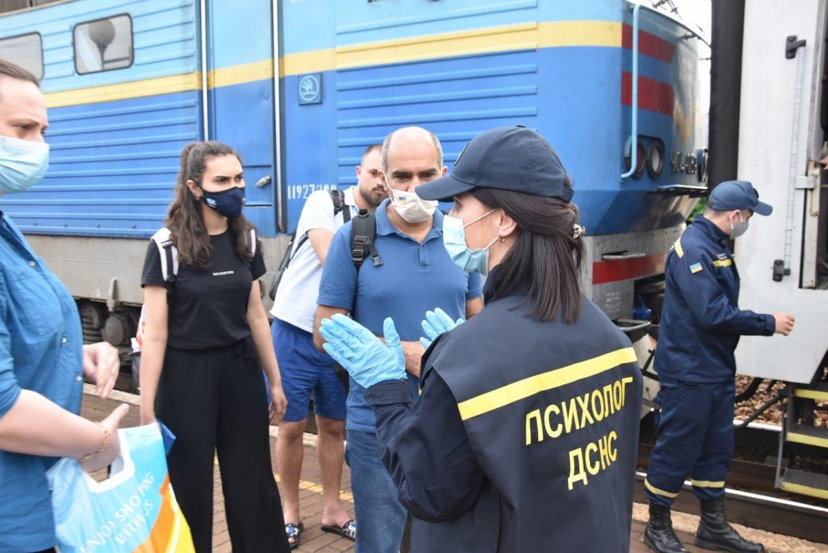 Без Купюр До Олександрії прибули евакуйовані з Сектора Гази Події  Сектор Гази новини Кіровоградщина евакуація 2021 рік