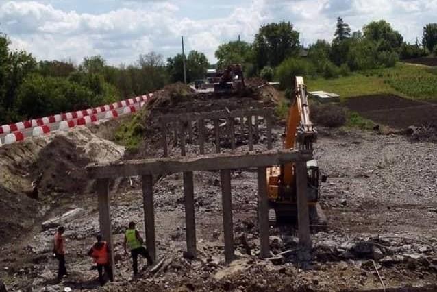 Без Купюр На Кіровоградщині демонтують 2 мости. ФОТО За кермом  Онуфріївська ОТГ новини Кіровоградщина 2021 рік