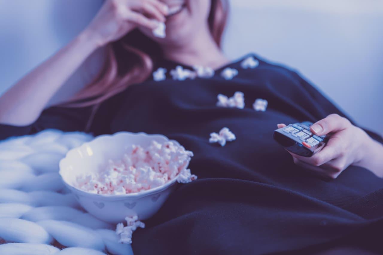 Без Купюр Безпрограшний варіант карантинного відпочинку: що подивитися по телевізору разом із сім'єю Життя  новини Кропивницький Кіровоградщина Sweet TV 2021 Червень