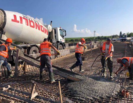 На Кіровоградщині дорожники працюють по всій протяжності дороги Стрий – Ізварине. ФОТО