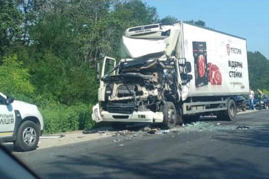 Без Купюр У Кропивницькому районі одна вантажівка зіткнулася з іншою. ФОТО За кермом  новини Кіровоградщина ДТП 2021 рік