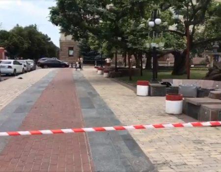 Вибухотехніки перевірили підозрілу валізу на площі Героїв Майдану в Кропивницькому