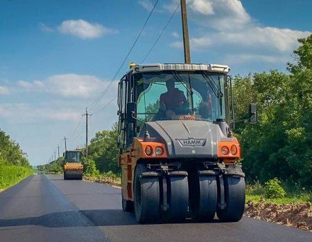 На Кіровоградщині триває ремонт дороги Первозванiвка-Калинiвка-Сасiвка
