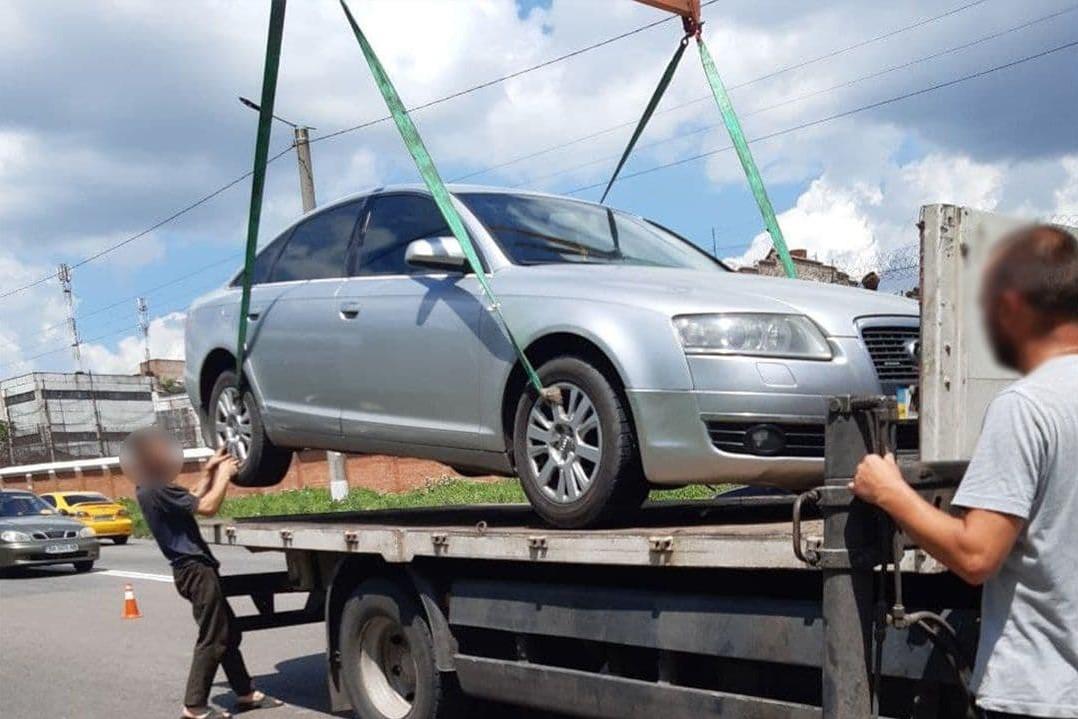 Без Купюр Кропивницькі патрульні випадково знайшли автівку, що перебувала в розшуку. ФОТО За кермом  патрульні новини Кропивницький Кіровоградщина 2021 Червень 2021 Липень