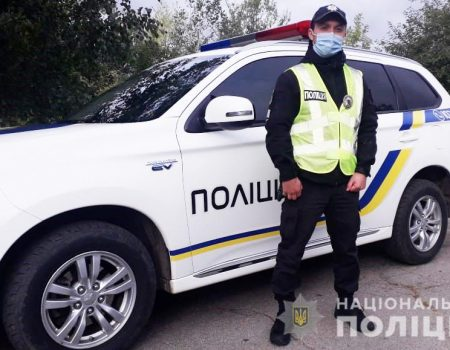 Кропивницький: на Новомиколаївці ножем у спину поранили патрульного. ДОПОВНЕНО