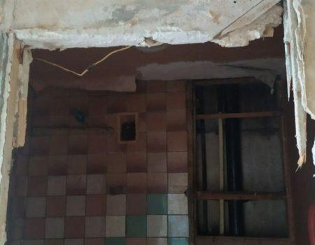 """У Кропивницькому вдова військового отримала квартиру """"непридатну для проживання"""". ВІДЕО"""